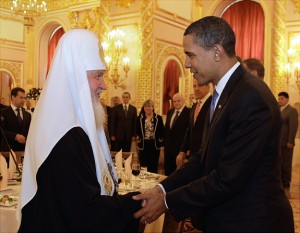 US President Barack Obama shakes hands with Russian Orthodox Patriarch Kirill